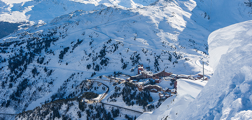 france_paradiski-ski_les-arcs_aerial_view.jpg